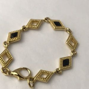 Diamond shape link bracelet